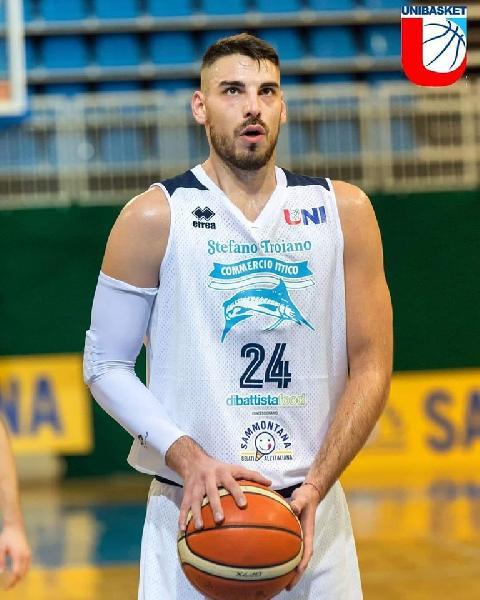 https://www.basketmarche.it/immagini_articoli/11-05-2019/unibasket-lanciano-dusan-ranitovic-aspetta-gara-difficile-vogliamo-finale-600.jpg