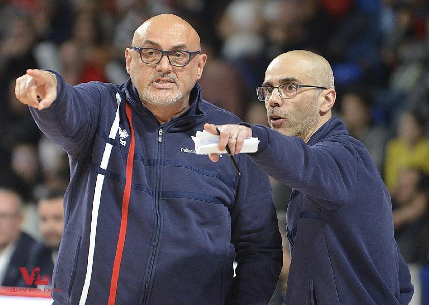 https://www.basketmarche.it/immagini_articoli/11-05-2019/vuelle-pesaro-viaggio-torino-cala-sipario-stagione-biancorossi-600.jpg