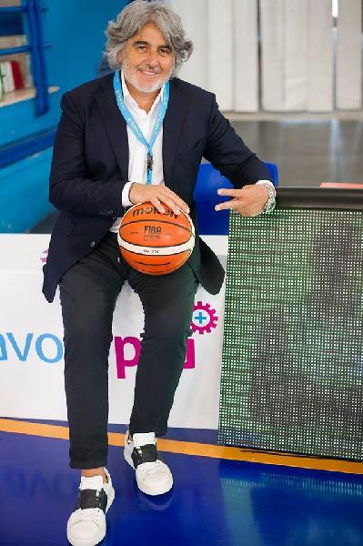 https://www.basketmarche.it/immagini_articoli/11-05-2020/pallacanestro-reggiana-spunta-nome-franco-moro-organigramma-societario-600.jpg