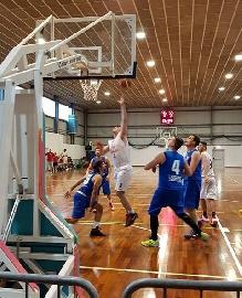 https://www.basketmarche.it/immagini_articoli/11-06-2017/promozione-la-parola-ai-vincitori-intervista-a-piersilverio-montanari-capitano-del-p73-conero-basket-270.jpg