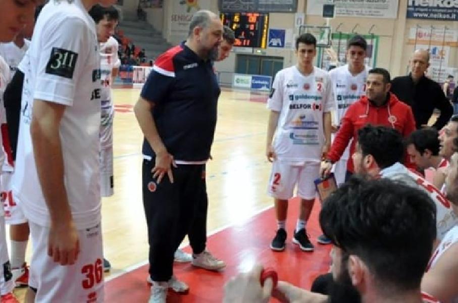 https://www.basketmarche.it/immagini_articoli/11-06-2019/ufficiale-stefano-foglietti-ancora-allenatore-pallacanestro-senigallia-600.jpg