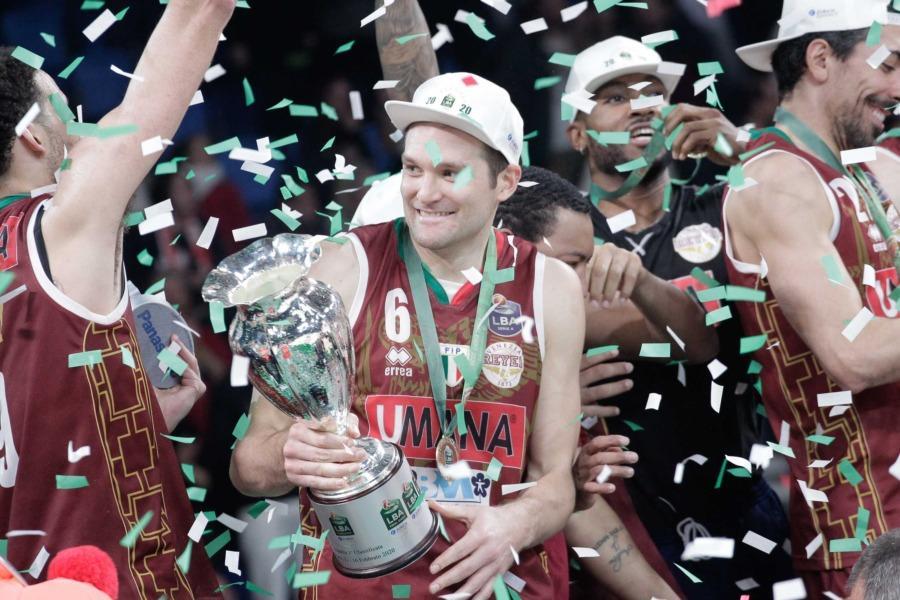 https://www.basketmarche.it/immagini_articoli/11-06-2020/ufficiale-michael-bramos-vestir-maglia-reyer-venezia-sesta-stagione-consecutiva-600.jpg