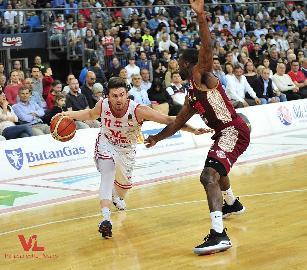 https://www.basketmarche.it/immagini_articoli/11-07-2018/serie-a-l-aquila-basket-trento-piomba-su-rotnei-clarke-270.jpg