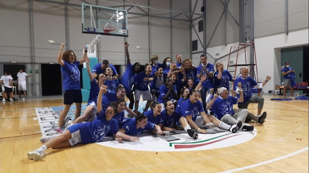 https://www.basketmarche.it/immagini_articoli/11-07-2021/thunder-matelica-fabriano-festa-grande-promozione-serie-realt-600.jpg
