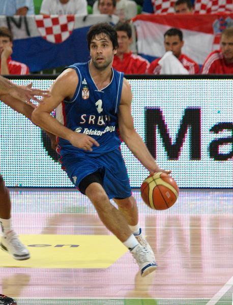 https://www.basketmarche.it/immagini_articoli/11-08-2019/milos-teodosic-ferma-infortunio-coach-djordjevic-sono-preoccupato-600.jpg
