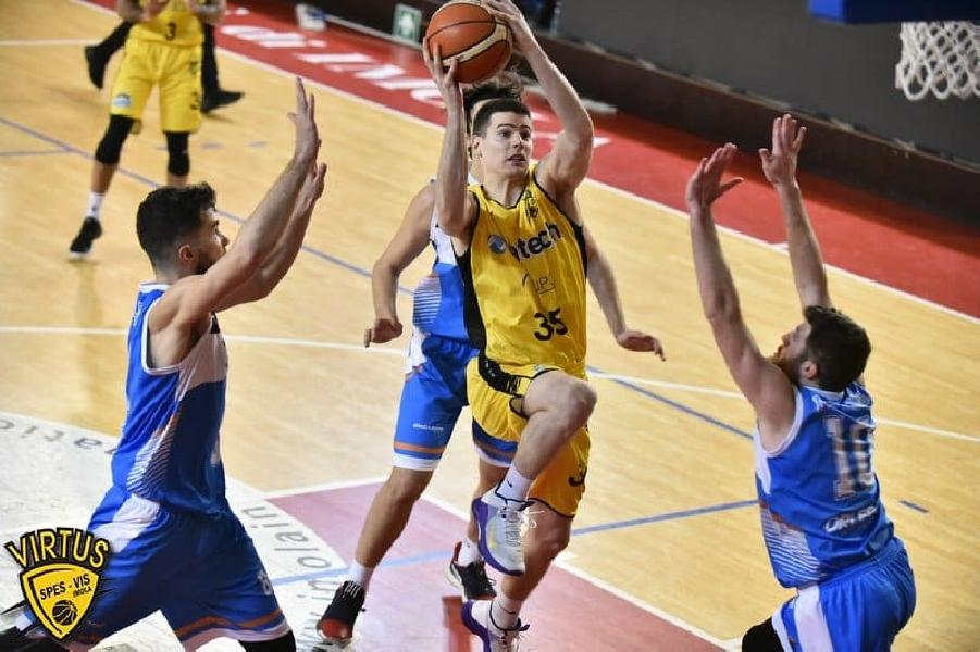 https://www.basketmarche.it/immagini_articoli/11-08-2021/grande-colpo-basket-corato-ufficiale-arrivo-esterno-ivan-begic-600.jpg