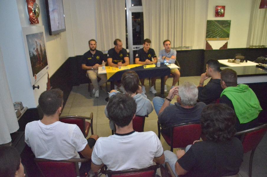 https://www.basketmarche.it/immagini_articoli/11-09-2019/sutor-montegranaro-michele-caverni-valerio-polonara-facile-rispondere-chiamata-sutor-600.jpg