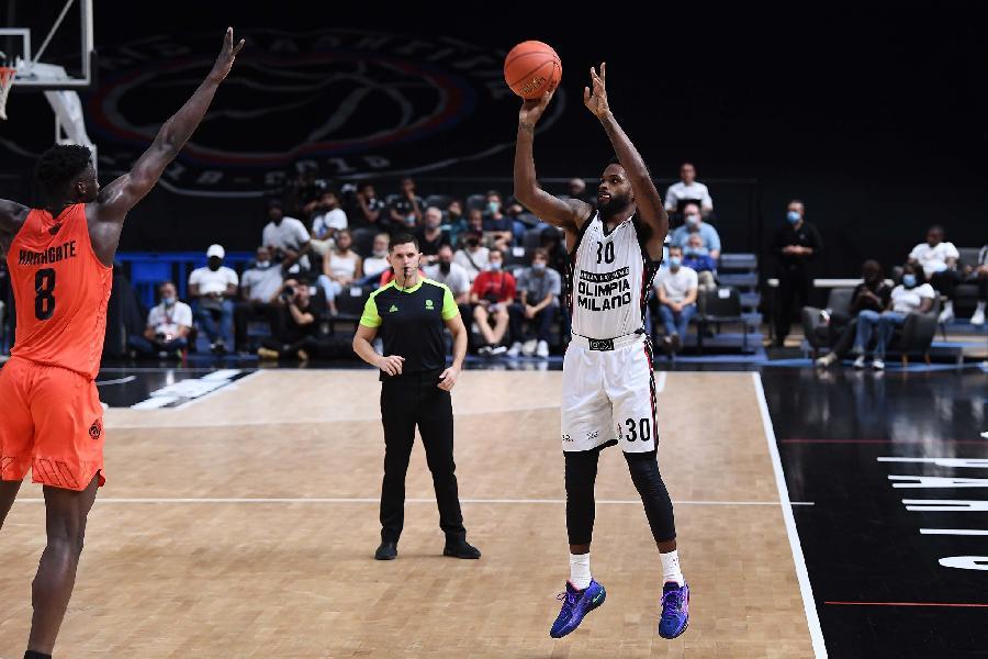 https://www.basketmarche.it/immagini_articoli/11-09-2021/paris-european-games-olimpia-milano-domina-sfida-paris-basketball-600.jpg