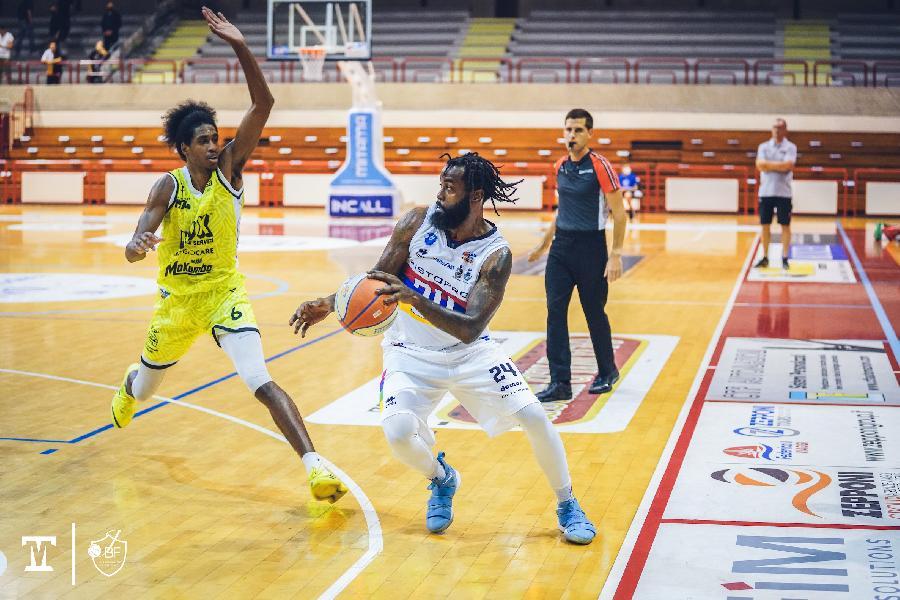 https://www.basketmarche.it/immagini_articoli/11-09-2021/supercoppa-janus-fabriano-parte-subito-forte-doma-chieti-basket-1974-600.jpg