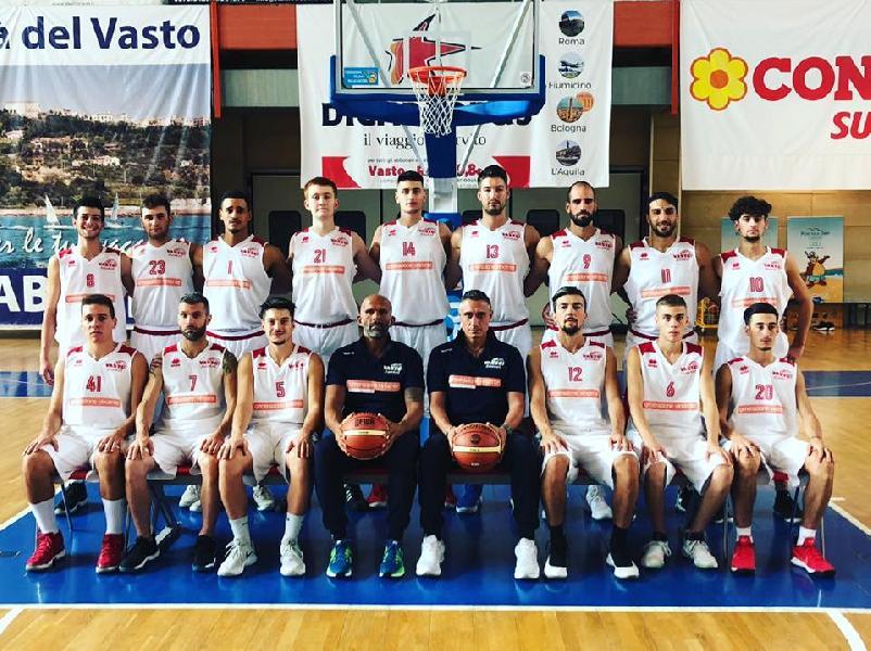 https://www.basketmarche.it/immagini_articoli/11-10-2018/chieti-basket-ospita-corazzata-vasto-basket-parole-luigi-cicchini-massimiliano-conte-600.jpg