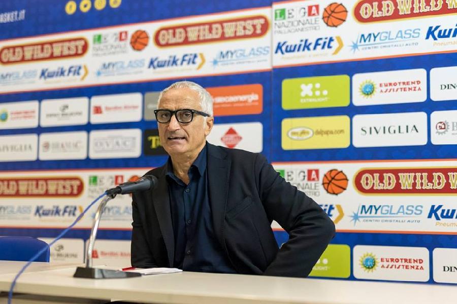 https://www.basketmarche.it/immagini_articoli/11-10-2018/prima-puntata-coach-risponde-nostre-domande-coach-pancotto-600.jpg