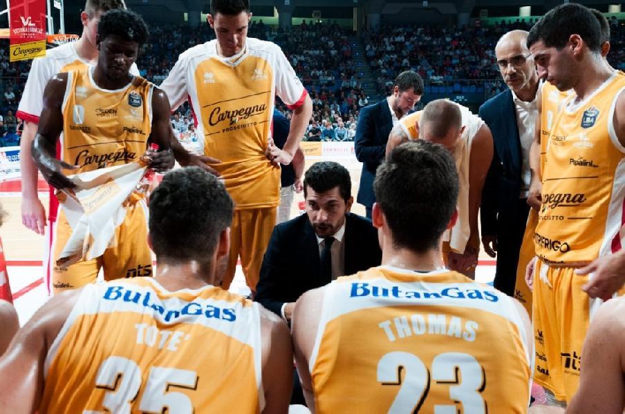 https://www.basketmarche.it/immagini_articoli/11-10-2019/pesaro-coach-perego-consapevoli-importanza-sfida-virtus-bologna-600.jpg
