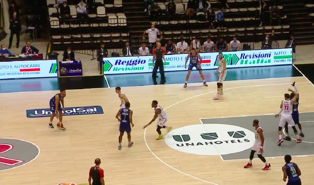 https://www.basketmarche.it/immagini_articoli/11-10-2020/happy-casa-brindisi-passa-campo-pallacanestro-reggiana-600.png