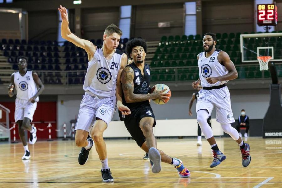 https://www.basketmarche.it/immagini_articoli/11-10-2020/supercoppa-eurobasket-roma-vince-derby-campo-stella-azzurra-roma-600.jpg