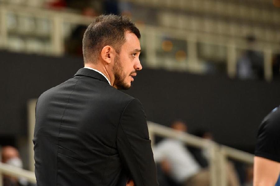 https://www.basketmarche.it/immagini_articoli/11-10-2020/trento-coach-brienza-abbiamo-subito-iniziative-loro-guardie-troppe-palle-perse-600.jpg