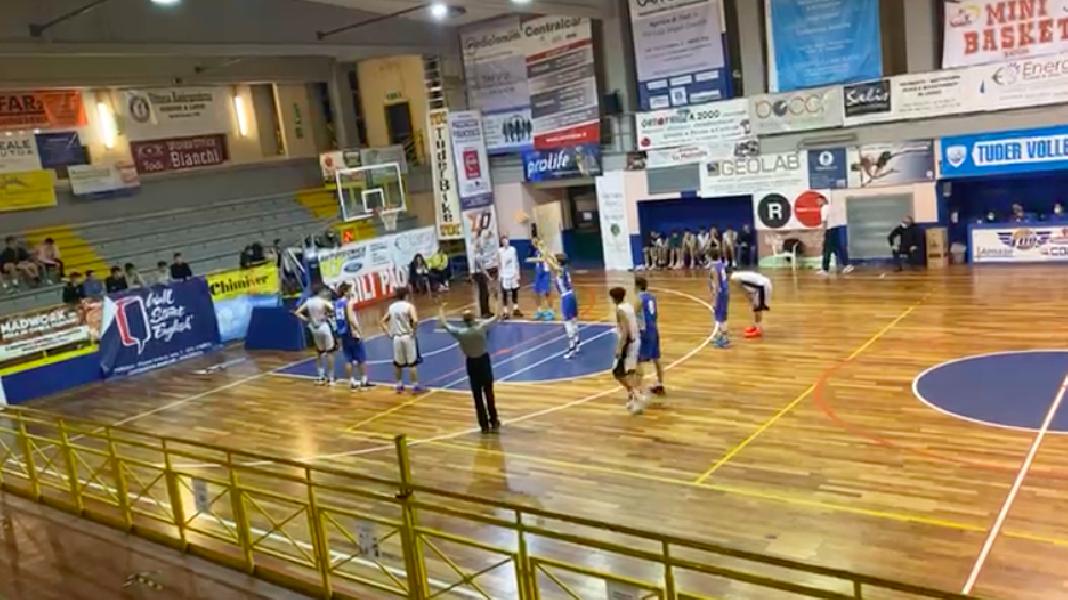 https://www.basketmarche.it/immagini_articoli/11-10-2021/eccellenza-metauro-basket-academy-passa-campo-basket-todi-600.png