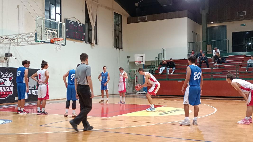 https://www.basketmarche.it/immagini_articoli/11-10-2021/eccellenza-perugia-basket-vince-derby-lucky-wind-foligno-600.jpg