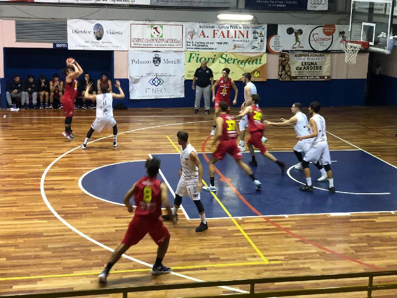 https://www.basketmarche.it/immagini_articoli/11-10-2021/inizia-migliore-modi-campionato-basket-todi-wispone-taurus-jesi-volata-600.jpg