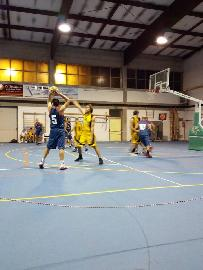 https://www.basketmarche.it/immagini_articoli/11-11-2017/promozione-d-la-tela-campofilone-vince-il-derby-contro-il-pedaso-basket-270.jpg
