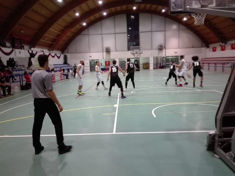 https://www.basketmarche.it/immagini_articoli/11-11-2018/convincente-vittoria-pallacanestro-acqualagna-pallacanestro-senigallia-600.jpg
