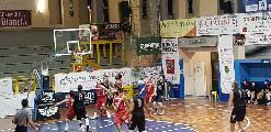 https://www.basketmarche.it/immagini_articoli/11-11-2018/pallacanestro-urbania-vince-convince-todi-biancorossi-imbattuti-120.jpg