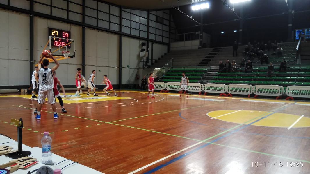 https://www.basketmarche.it/immagini_articoli/11-11-2018/regionale-live-girone-umbria-risultati-domenica-tempo-reale-600.jpg