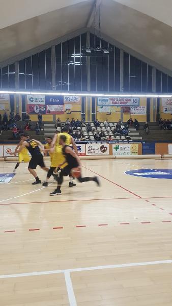 https://www.basketmarche.it/immagini_articoli/11-11-2018/risultati-tabellini-quinta-giornata-montemarciano-montecchio-comando-dietro-tanto-equilibrio-600.jpg