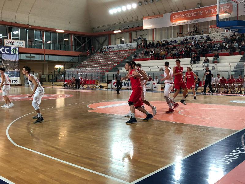https://www.basketmarche.it/immagini_articoli/11-11-2018/serie-silver-live-girone-abruzzo-marche-risultati-domenica-tempo-reale-600.jpg