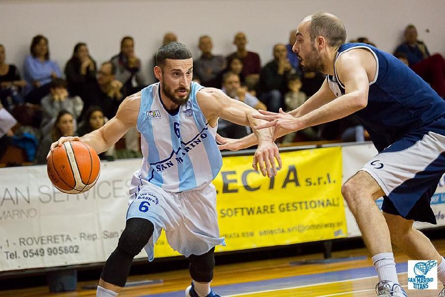 https://www.basketmarche.it/immagini_articoli/11-11-2018/supplementare-sorride-titano-marino-pallacanestro-fermignano-battuta-600.jpg