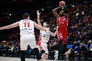https://www.basketmarche.it/immagini_articoli/11-11-2019/posticipo-olimpia-milano-conquista-comoda-vittoria-pistoia-basket-120.jpg
