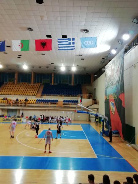 https://www.basketmarche.it/immagini_articoli/11-11-2019/unibasket-lanciano-fatica-fine-doma-buon-falconara-basket-600.jpg