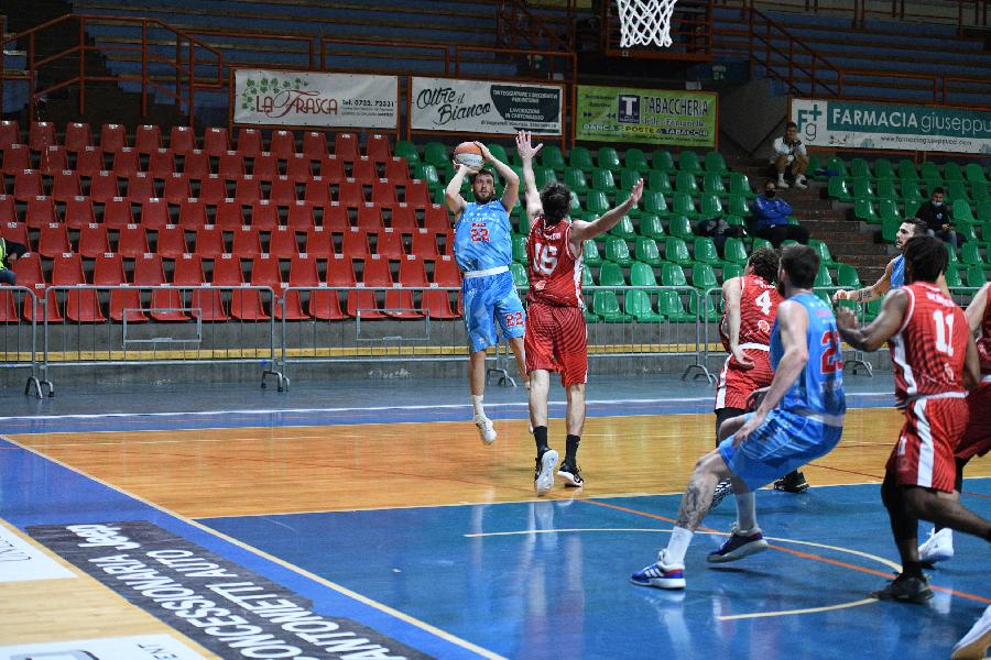 https://www.basketmarche.it/immagini_articoli/11-11-2020/supercoppa-janus-fabriano-batte-miniato-vola-final-eight-600.jpg