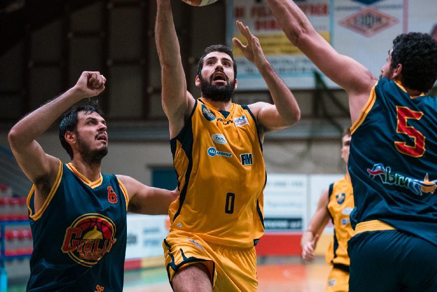 https://www.basketmarche.it/immagini_articoli/11-12-2020/sutor-montegranaro-pronta-derby-ancona-capitan-minoli-dovremo-alzare-ritmi-gioco-600.jpg