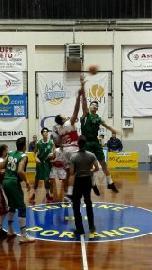 https://www.basketmarche.it/immagini_articoli/12-01-2018/under-18-eccellenza-il-cab-stamura-ancona-espugna-il-campo-di-orvieto-270.jpg