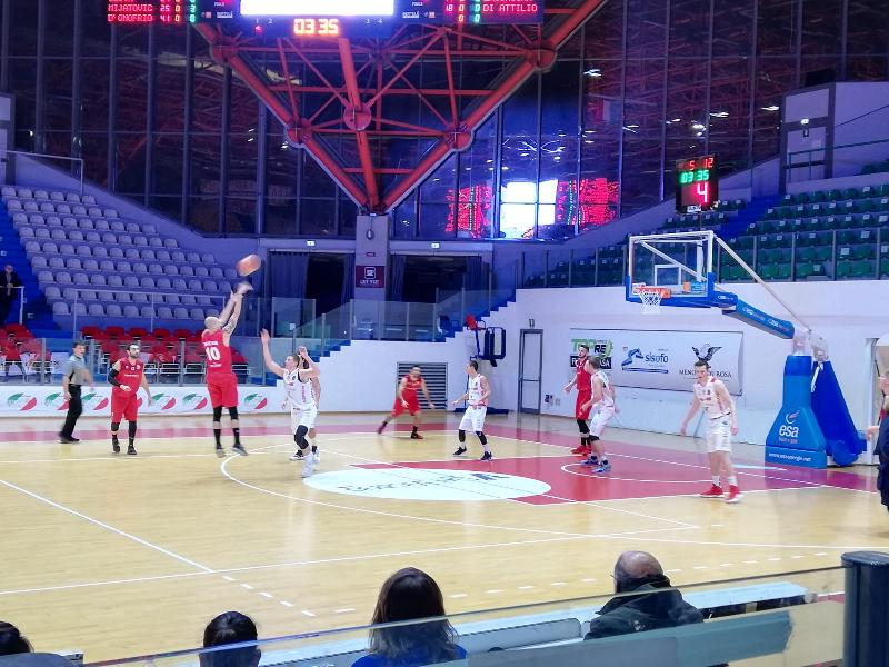 https://www.basketmarche.it/immagini_articoli/12-01-2019/nova-campli-basket-espugna-campo-chieti-basket-600.jpg