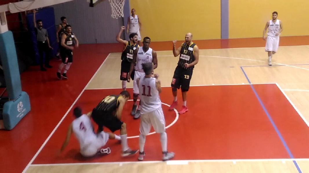 https://www.basketmarche.it/immagini_articoli/12-01-2019/pallacanestro-recanati-interrompe-imbattibilit-pallacanestro-urbania-600.jpg