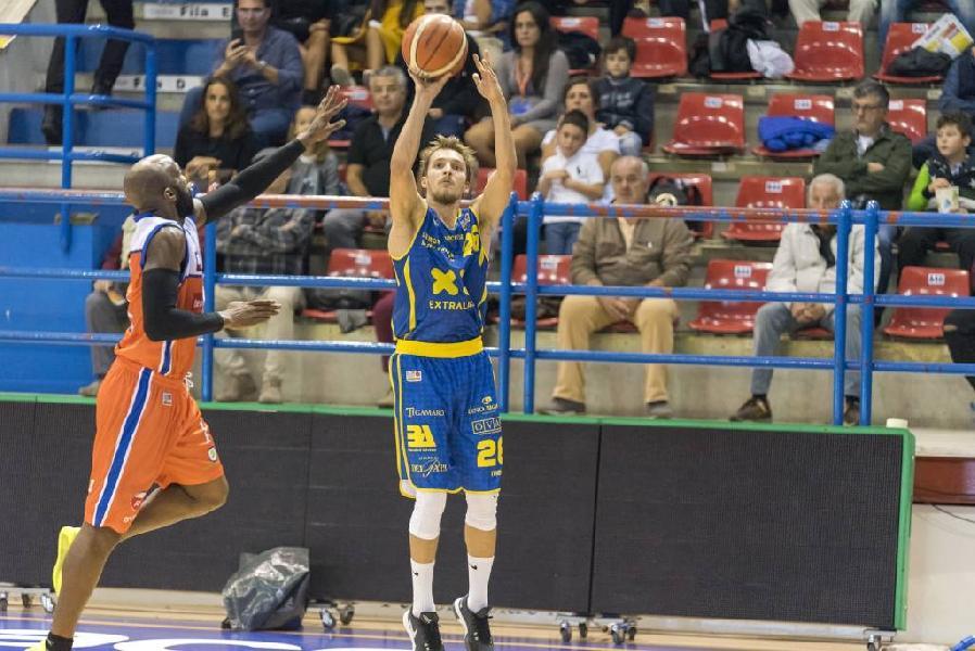 https://www.basketmarche.it/immagini_articoli/12-01-2019/poderosa-montegranaro-inizia-ritorno-derby-campo-aurora-jesi-600.jpg
