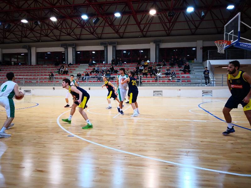 https://www.basketmarche.it/immagini_articoli/12-01-2019/regionale-live-girone-gare-sabato-ultima-andata-tempo-reale-600.jpg