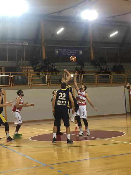 https://www.basketmarche.it/immagini_articoli/12-01-2019/virtus-assisi-derby-basket-club-fratta-umbertide-600.jpg