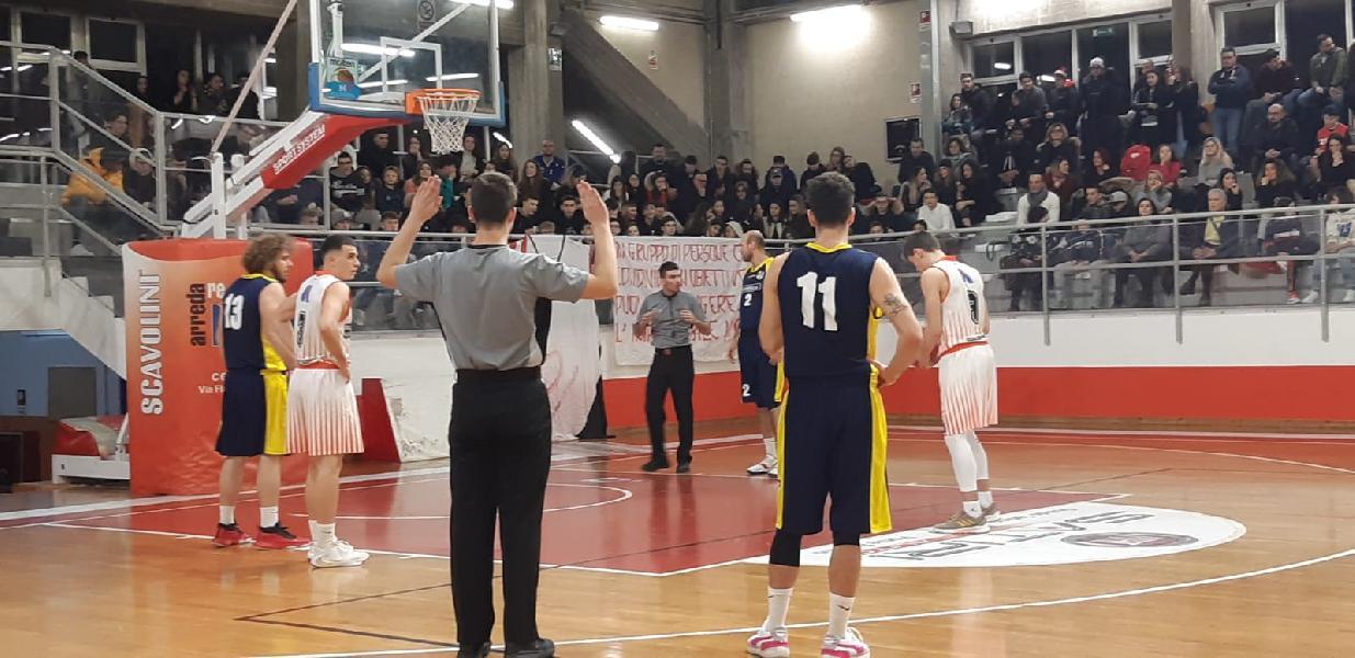 https://www.basketmarche.it/immagini_articoli/12-01-2020/basket-gualdo-inizia-girone-ritorno-superando-loreto-pesaro-600.jpg