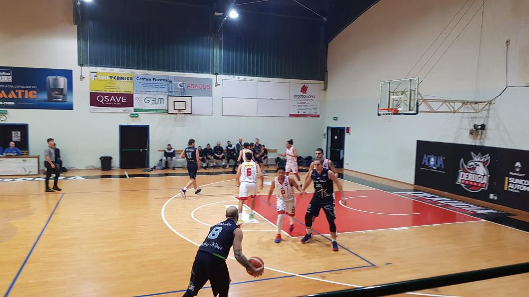 https://www.basketmarche.it/immagini_articoli/12-01-2020/lucky-wind-foligno-vince-derby-allunga-testa-classifica-600.jpg