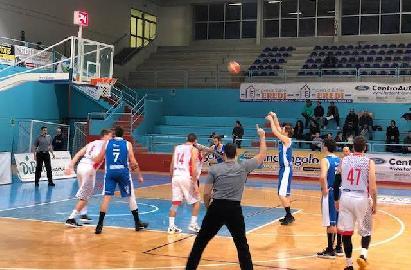 https://www.basketmarche.it/immagini_articoli/12-02-2018/serie-b-nazionale-il-basket-bisceglie-supera-lo-janus-fabriano-270.jpg