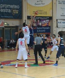 https://www.basketmarche.it/immagini_articoli/12-02-2018/serie-b-nazionale-virtus-civitanova-nel-derby-di-senigallia-arriva-la-terza-sconfitta-consecutiva-270.jpg