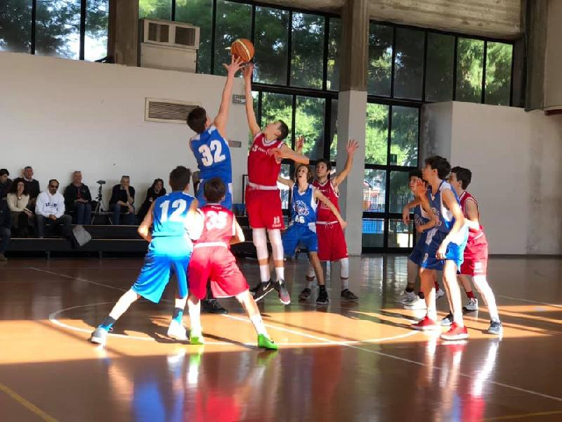 https://www.basketmarche.it/immagini_articoli/12-02-2019/delfino-porto-pesaro-passa-campo-sporting-porto-sant-elpidio-600.jpg