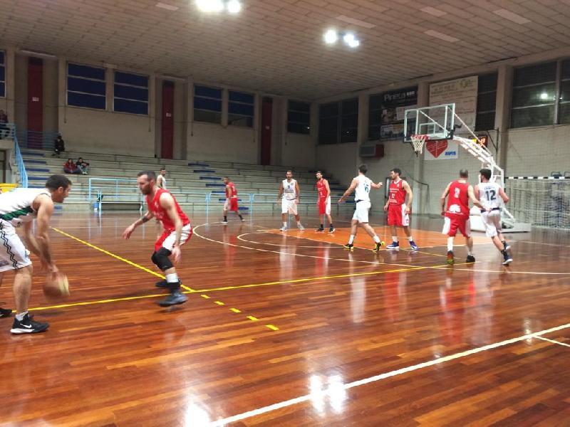 https://www.basketmarche.it/immagini_articoli/12-02-2020/anticipo-ritorno-leone-ricci-chiaravalle-supera-metauro-basket-academy-600.jpg