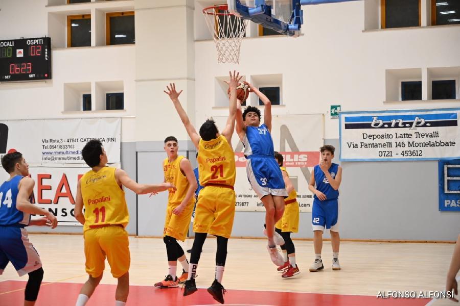 https://www.basketmarche.it/immagini_articoli/12-02-2020/under-eccellenza-pesaro-supera-nettamente-basket-maceratese-resta-imbattuta-600.jpg