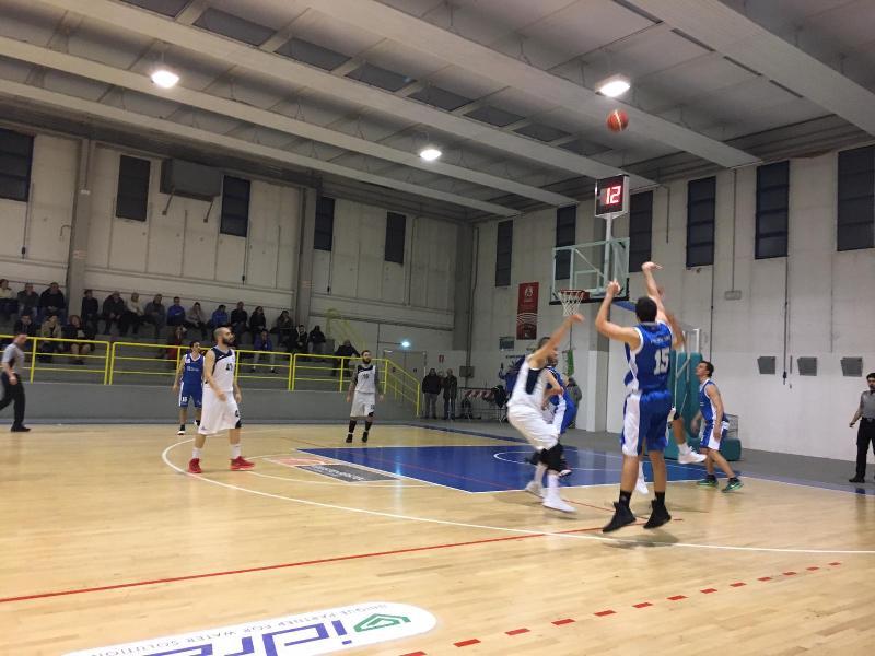 https://www.basketmarche.it/immagini_articoli/12-03-2019/silver-corsa-playoff-ancora-pass-assegnare-squadre-lotta-600.jpg