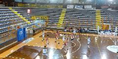 https://www.basketmarche.it/immagini_articoli/12-03-2019/under-eccellenza-ritorno-vuelle-stella-azzurra-rimini-avanti-valmontone-spareggi-120.jpg