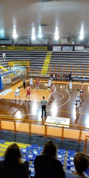 https://www.basketmarche.it/immagini_articoli/12-03-2019/unibasket-pescara-impone-perugia-basket-600.jpg