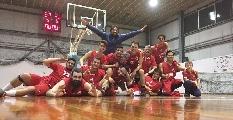 https://www.basketmarche.it/immagini_articoli/12-04-2017/prima-divisione-playoff-gara-2-l-adriatico-ancona-supera-il-basket-2000-senigallia-e-va-in-semifinale-120.jpg